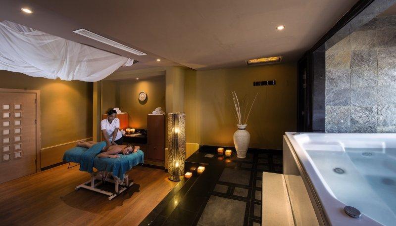 Amwaj Blue Beach Resort & Spa Wellness