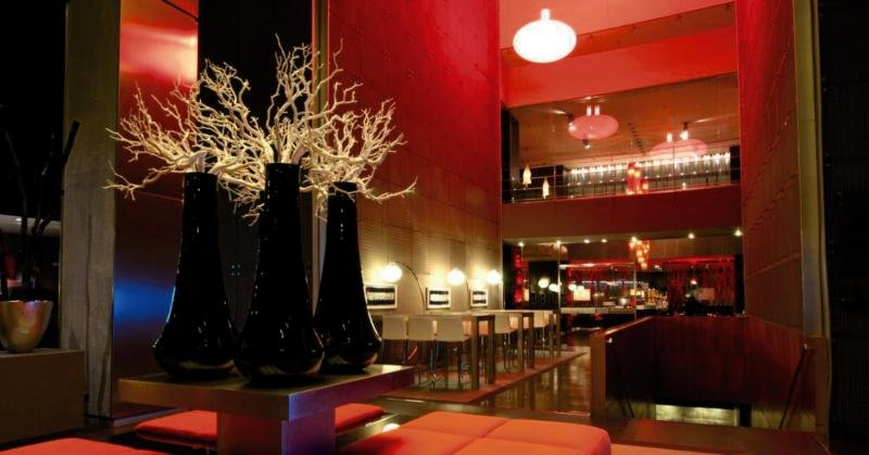 Hotel Barcelona Condal Mar managed by Melia Bar