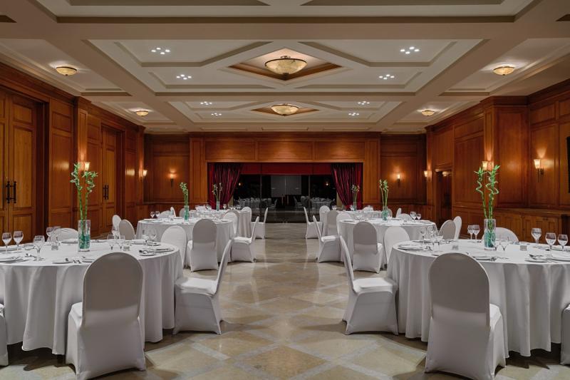 The Cascades Golf Resort, Spa & Thalasso Restaurant