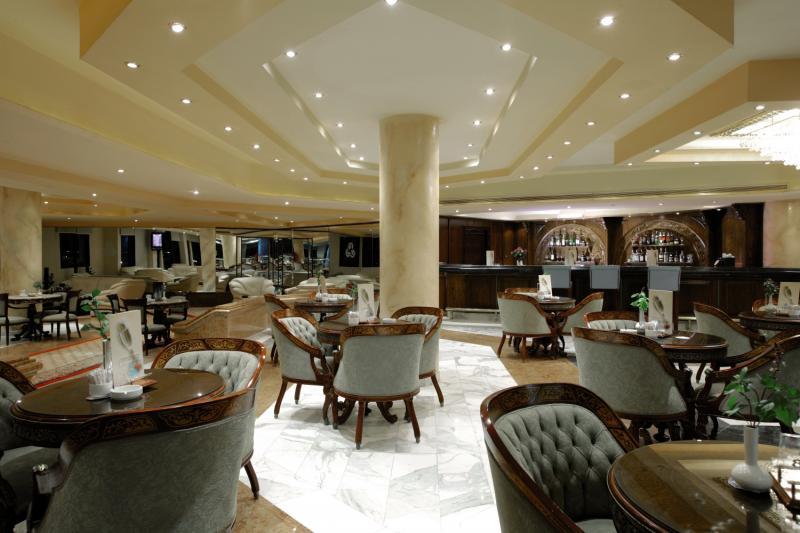 Golden 5 Paradise Hotel & Beach Resort Bar