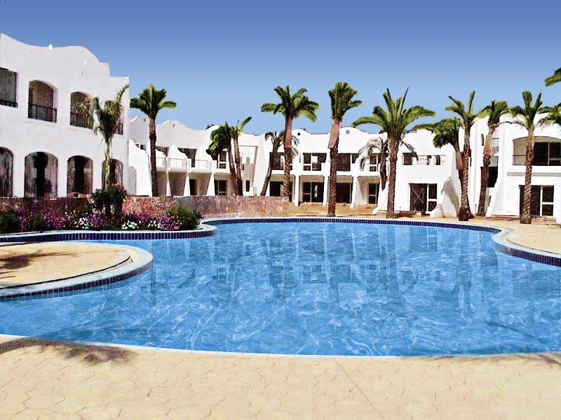 Luna Sharm Pool