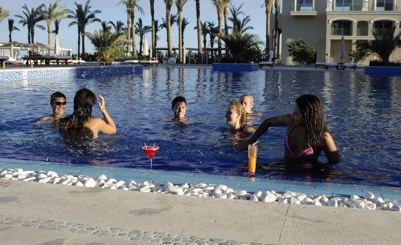 Premier Le Reve Hotel & Spa Pool