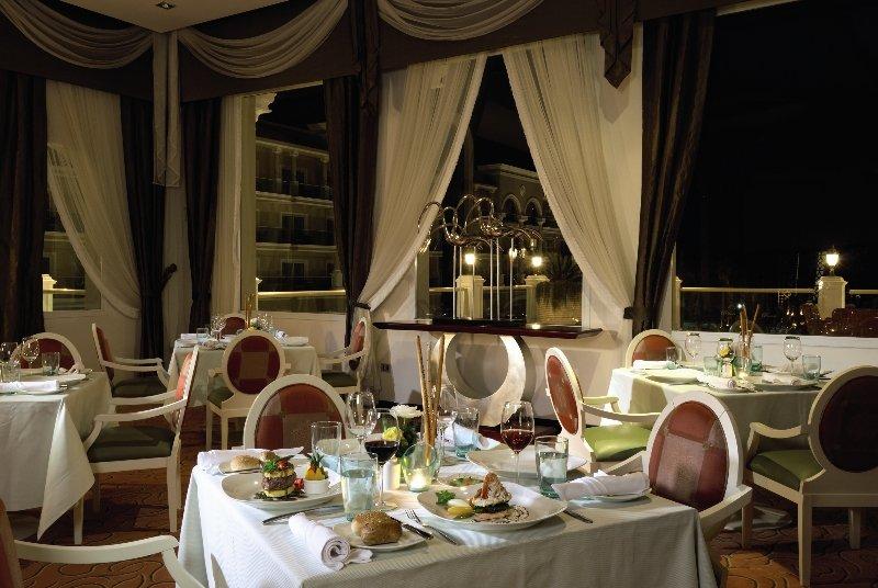 Premier Le Reve Hotel & Spa Restaurant