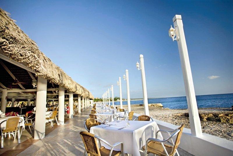 Viva Wyndham Dominicus Beach Terrasse